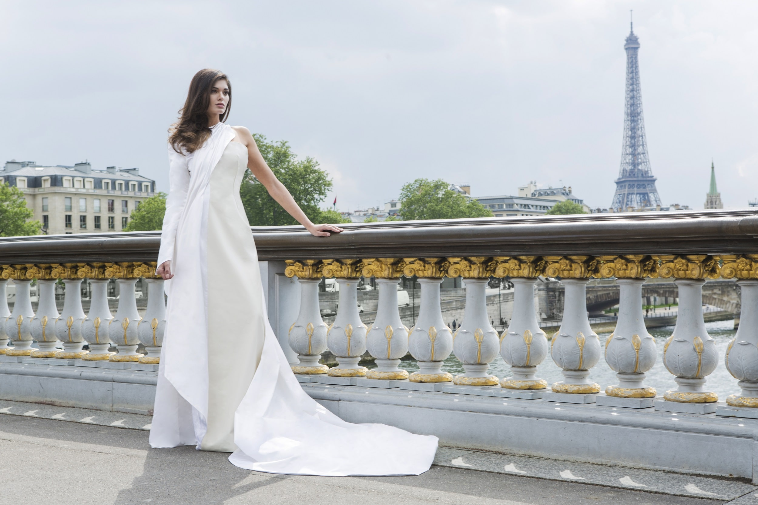 Daphné- White Leather wedding Gown