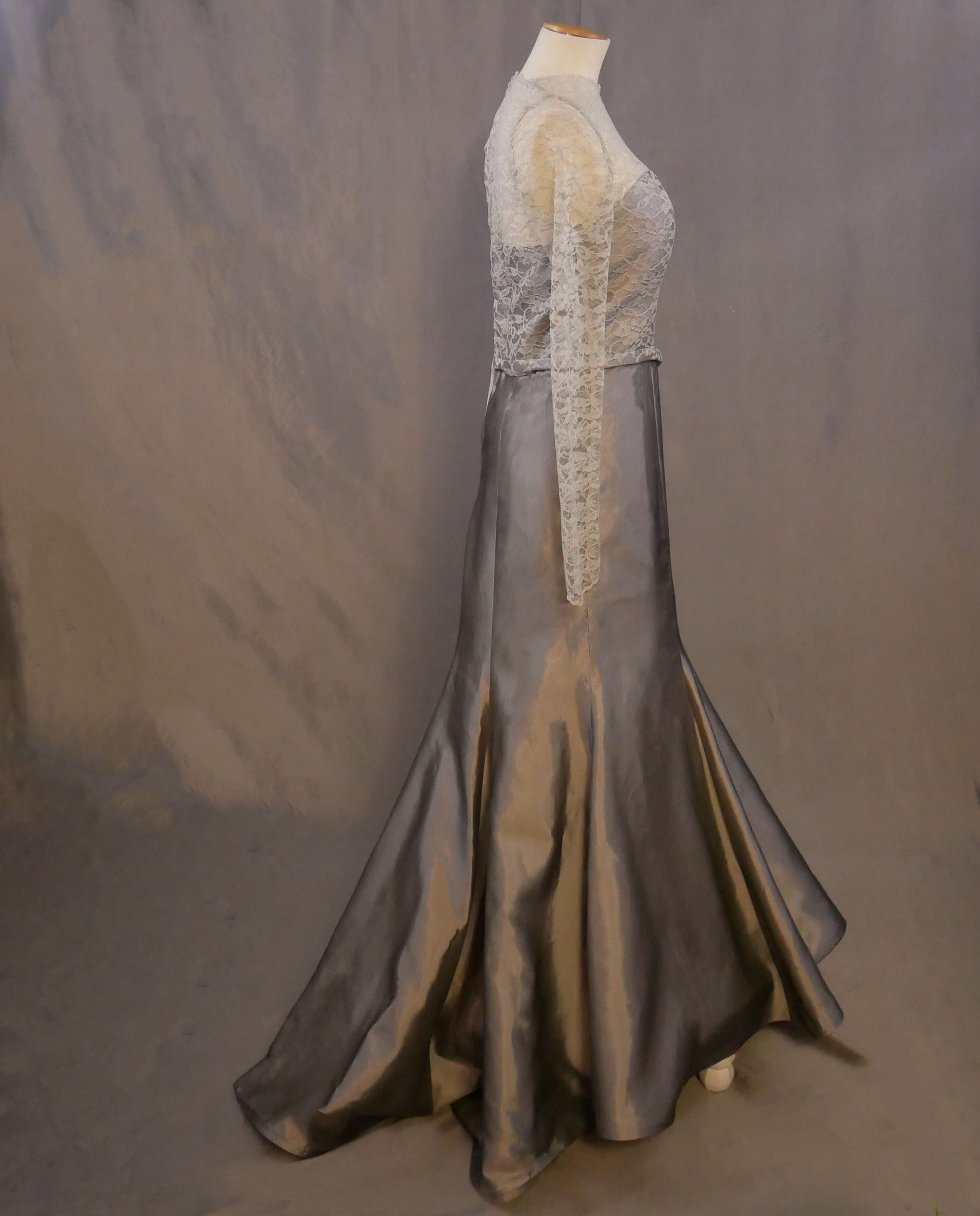 silver-evening-gown-abeja2